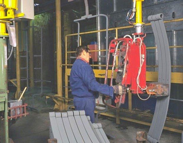 Partner type manipulator for shafts