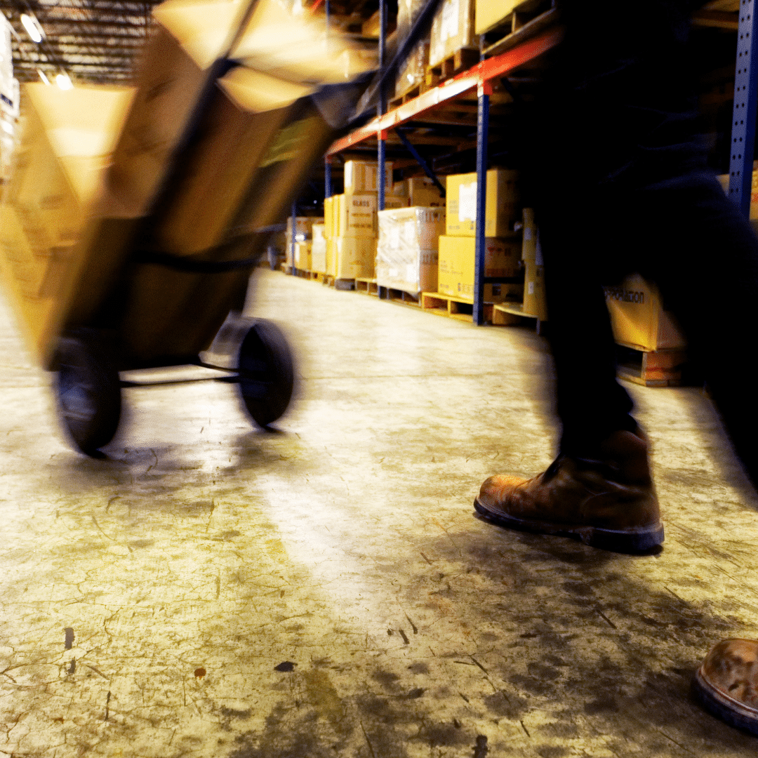 Warehousing Demands Are on the Rise – How Can Industrial Manipulators Help?